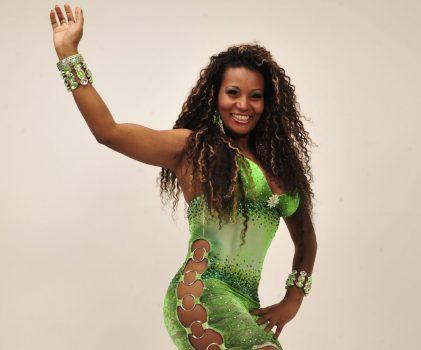 """A """"sortuda"""" madrinha de bateria de escola de samba, que recebeu """"mensalinho"""" do ex-tesoureiro do PT."""