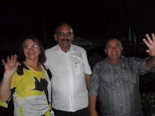 Da esquerda para a direita, a ex-prefeita de Umarizal Maria Loreto e seu esposo Cacá, que foram acordados na madrugada de hoje por bandidos encapuçados em seu leito conjugal para roubarem dois veículos que estavam na garagem. Pânico e terror!